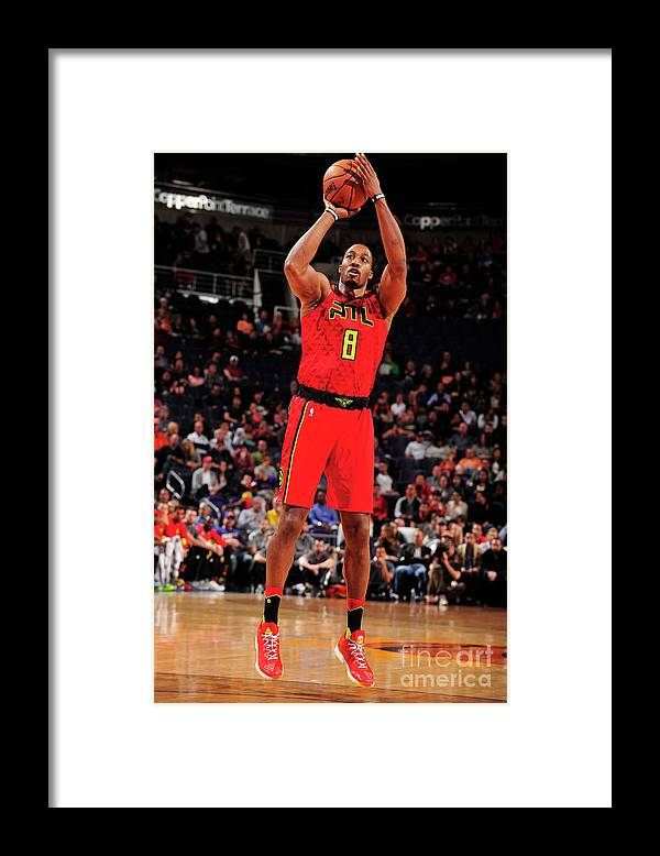 Nba Pro Basketball Framed Print featuring the photograph Dwight Howard by Barry Gossage
