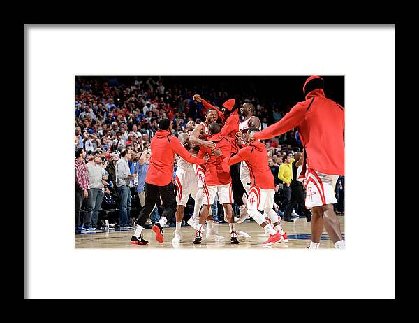Nba Pro Basketball Framed Print featuring the photograph Eric Gordon by David Dow