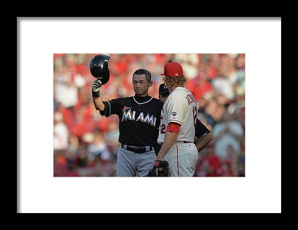 Crowd Framed Print featuring the photograph Ichiro Suzuki by Michael Thomas