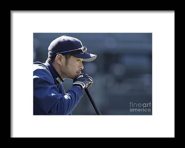 People Framed Print featuring the photograph Ichiro Suzuki by Otto Greule Jr