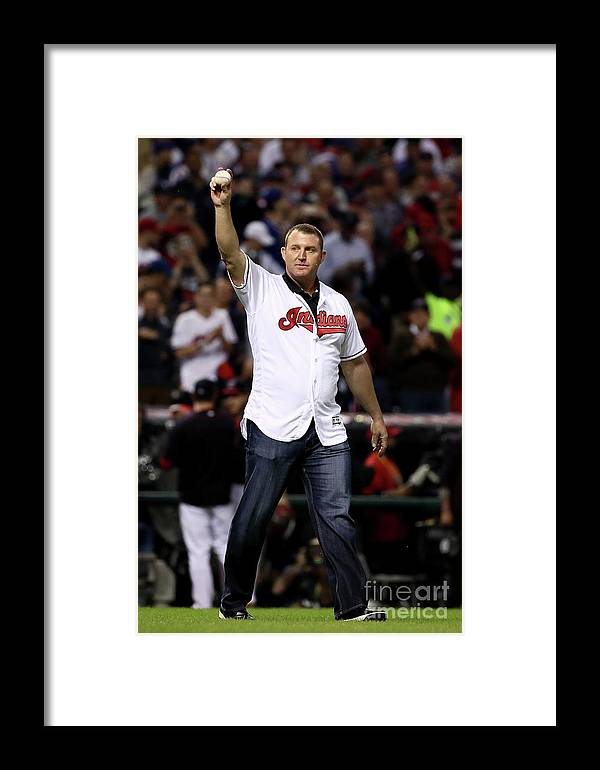People Framed Print featuring the photograph Jim Thome by Ezra Shaw