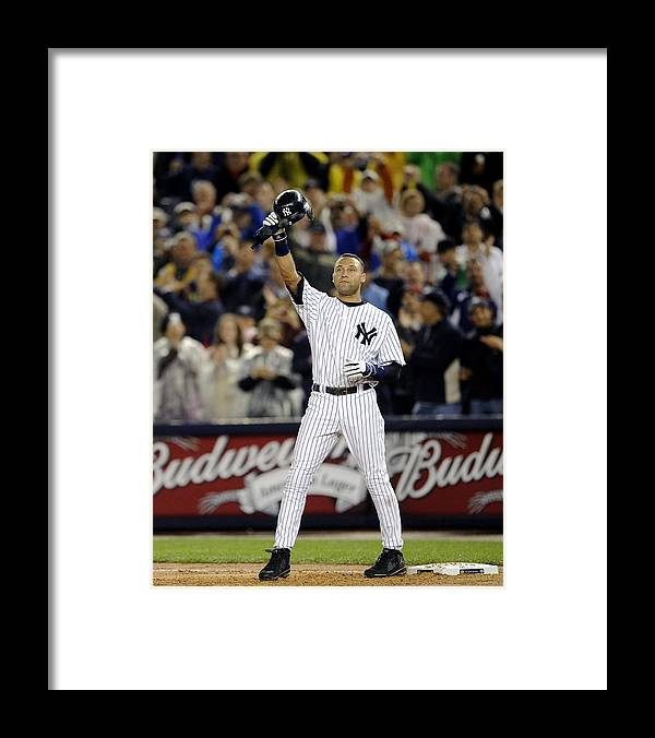 People Framed Print featuring the photograph Lou Gehrig and Derek Jeter by New York Daily News Archive