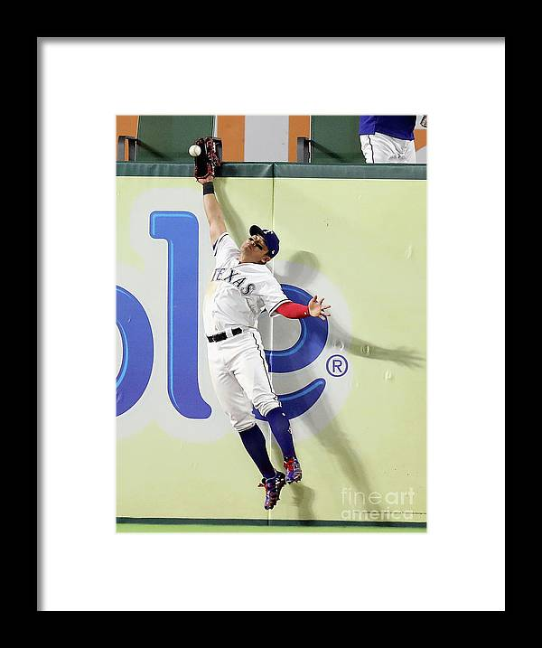 People Framed Print featuring the photograph Shin-soo Choo by Ronald Martinez