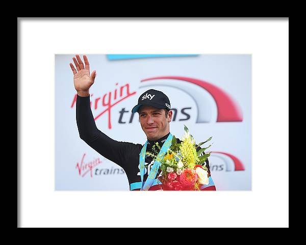 People Framed Print featuring the photograph Tour de Yorkshire 2016 - Stage Two by Bryn Lennon
