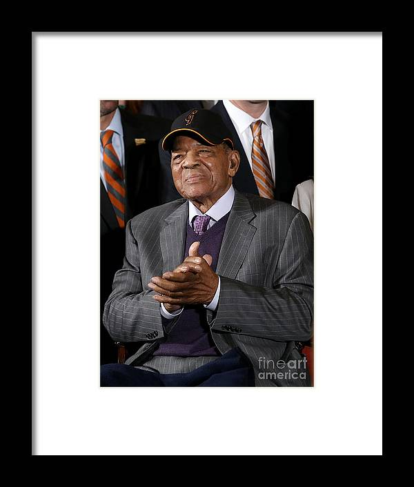 Three Quarter Length Framed Print featuring the photograph Willie Mays by Win Mcnamee