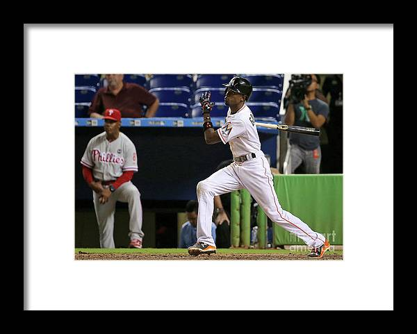 People Framed Print featuring the photograph Dee Gordon by Mike Ehrmann