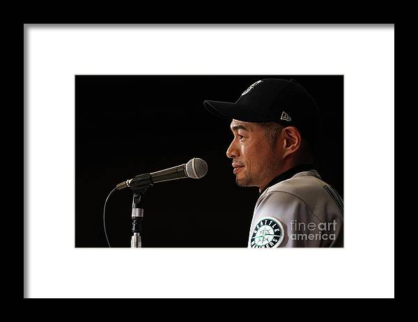People Framed Print featuring the photograph Ichiro Suzuki by Masterpress