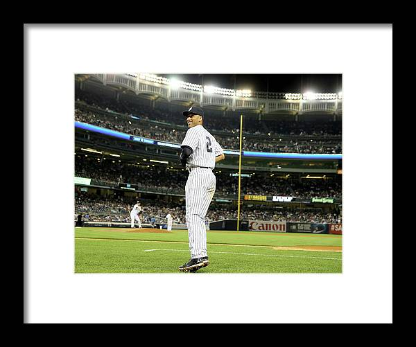 People Framed Print featuring the photograph Derek Jeter by Elsa