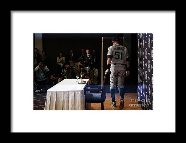 People Framed Print featuring the photograph Ichiro Suzuki by Masterpress