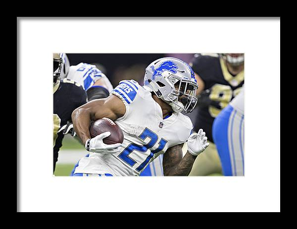 Three Quarter Length Framed Print featuring the photograph Detroit Lions v New Orleans Saints by Wesley Hitt