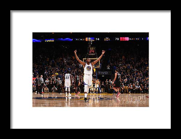 Crowd Framed Print featuring the photograph Kevin Durant by Noah Graham