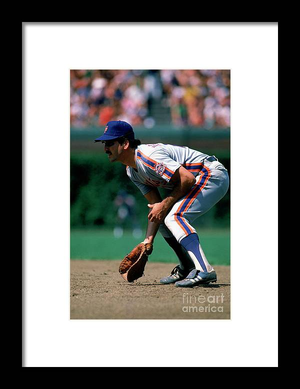 1980-1989 Framed Print featuring the photograph Keith Hernandez by Ron Vesely