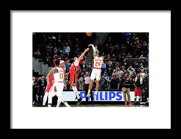 Atlanta Framed Print featuring the photograph Kent Bazemore by Scott Cunningham