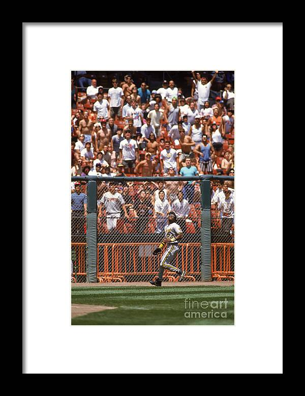 Candlestick Park Framed Print featuring the photograph Barry Bonds by Otto Greule Jr