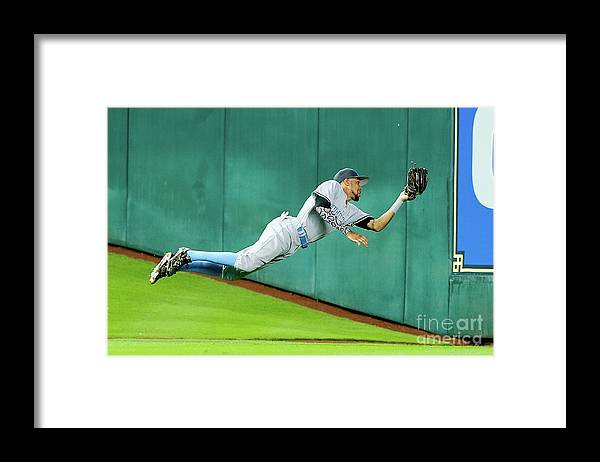 People Framed Print featuring the photograph Billy Hamilton by Bob Levey