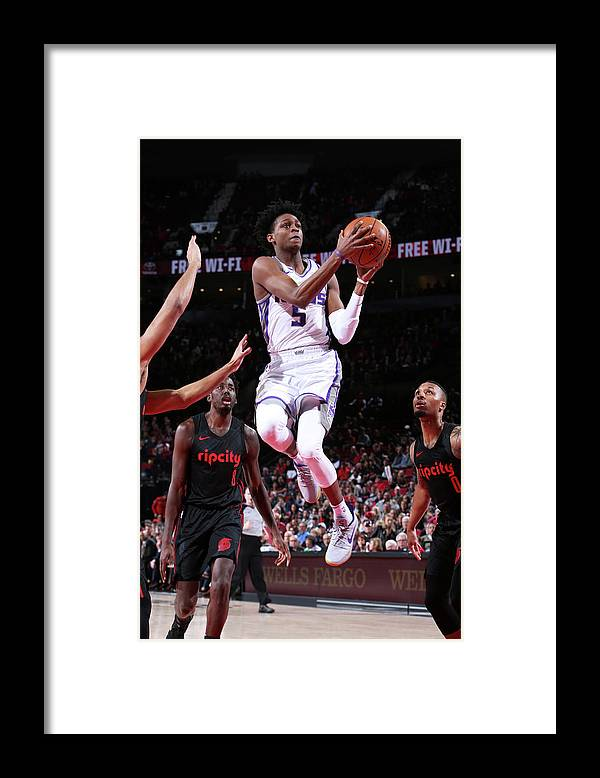 Nba Pro Basketball Framed Print featuring the photograph De'aaron Fox by Sam Forencich
