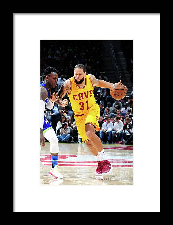 Atlanta Framed Print featuring the photograph Deron Williams by Scott Cunningham