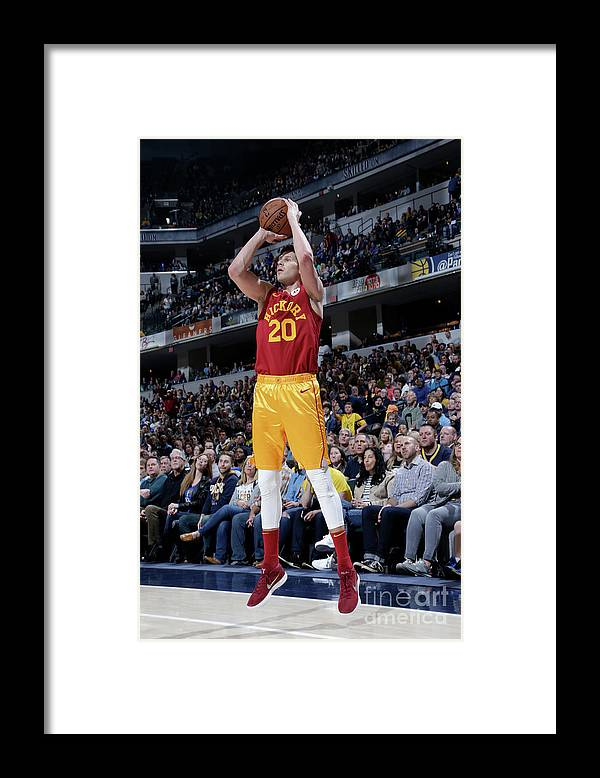 Nba Pro Basketball Framed Print featuring the photograph Doug Mcdermott by Ron Hoskins