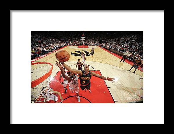 Nba Pro Basketball Framed Print featuring the photograph Dwight Howard by Ron Turenne