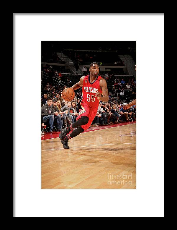 Nba Pro Basketball Framed Print featuring the photograph E'twaun Moore by Brian Sevald