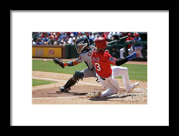 People Framed Print featuring the photograph Joey Gallo And Robinson Chirinos by Ron Jenkins