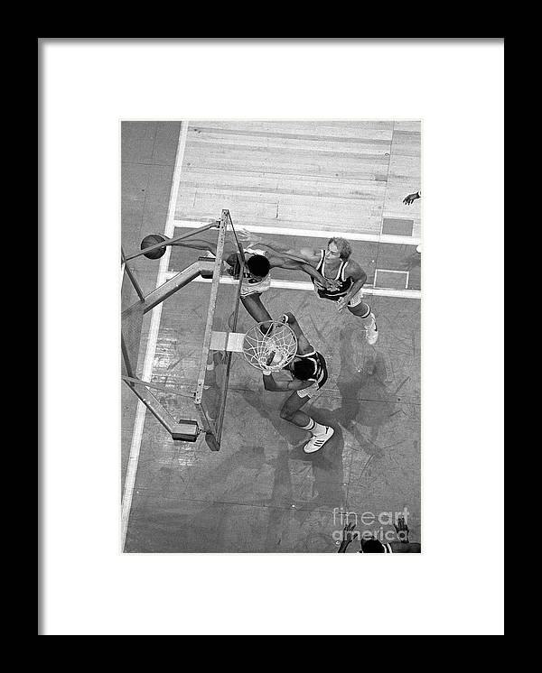 Playoffs Framed Print featuring the photograph Julius Erving and Kareem Abdul-jabbar by Jim Cummins