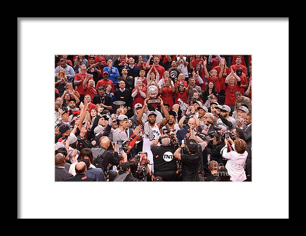 Nba Pro Basketball Framed Print featuring the photograph Kawhi Leonard by David Dow