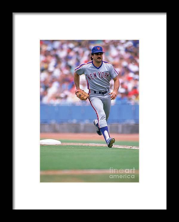 1980-1989 Framed Print featuring the photograph Keith Hernandez by Jon Soohoo
