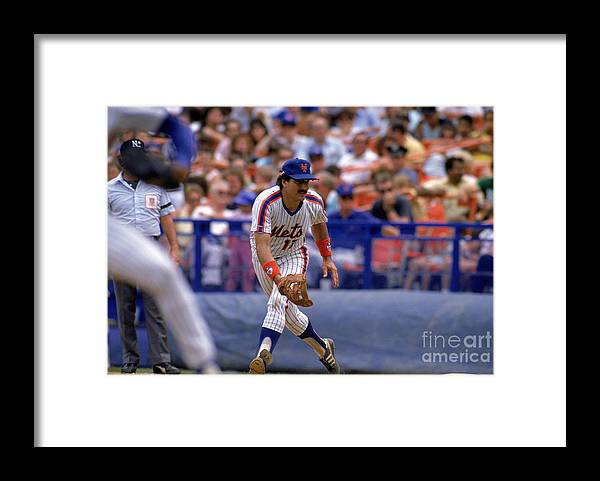1980-1989 Framed Print featuring the photograph Keith Hernandez by Mike Powell