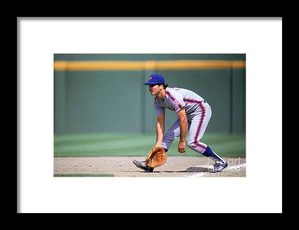 1980-1989 Framed Print featuring the photograph Keith Hernandez by Stephen Dunn