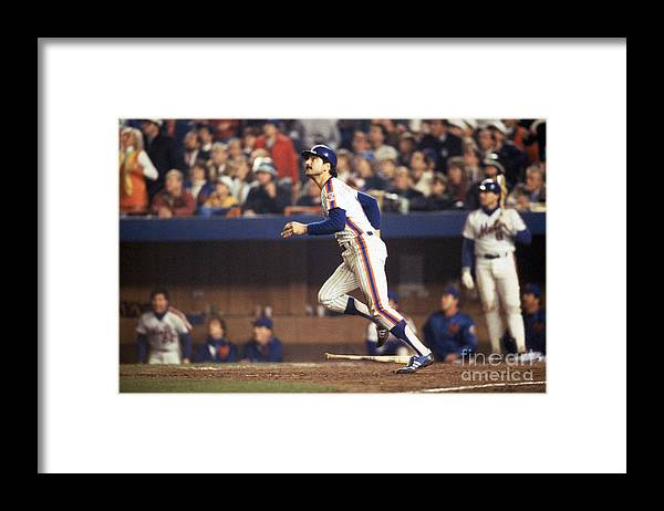 1980-1989 Framed Print featuring the photograph Keith Hernandez by T.g. Higgins