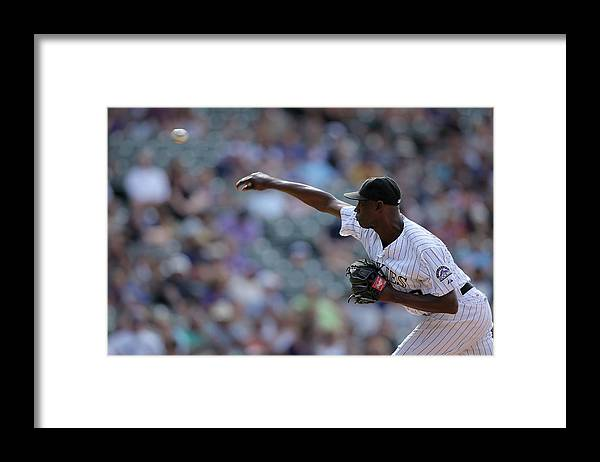 Working Framed Print featuring the photograph Latroy Hawkins by Doug Pensinger