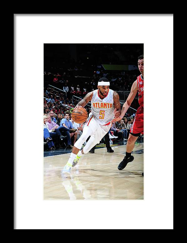 Atlanta Framed Print featuring the photograph Malcolm Delaney by Scott Cunningham