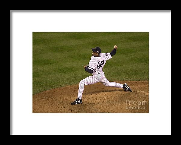 People Framed Print featuring the photograph Mariano Rivera by Ezra Shaw