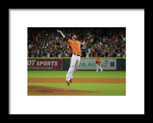 People Framed Print featuring the photograph Mike Fiers by Scott Halleran