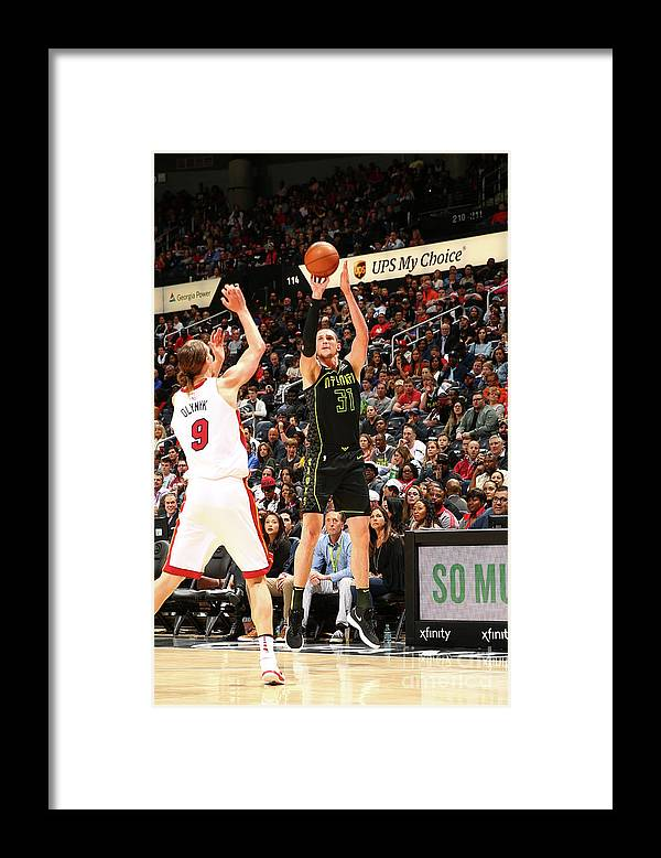 Atlanta Framed Print featuring the photograph Mike Muscala by Kevin Liles