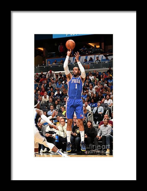 Nba Pro Basketball Framed Print featuring the photograph Mike Scott by Gary Bassing