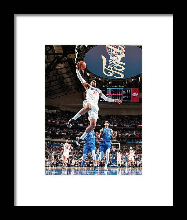 Nba Pro Basketball Framed Print featuring the photograph Mike Scott by Glenn James