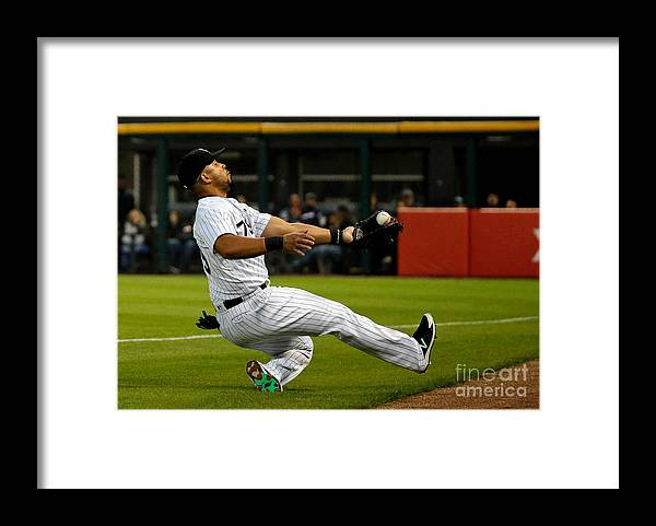 People Framed Print featuring the photograph Robinson Chirinos by Jon Durr