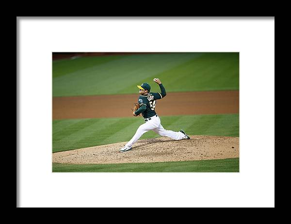 People Framed Print featuring the photograph Sonny Gray by Michael Zagaris