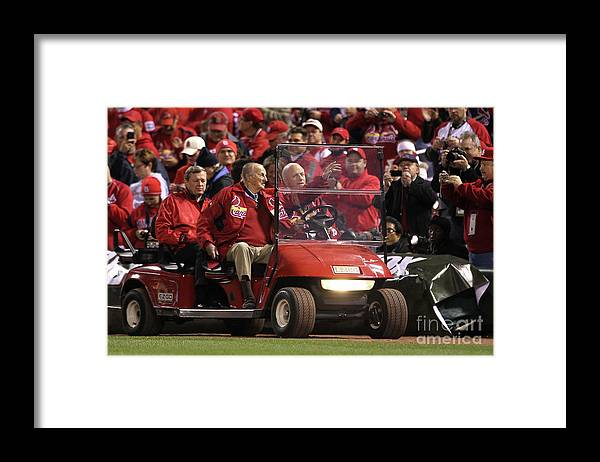 Crowd Framed Print featuring the photograph Stan Musial by Ezra Shaw