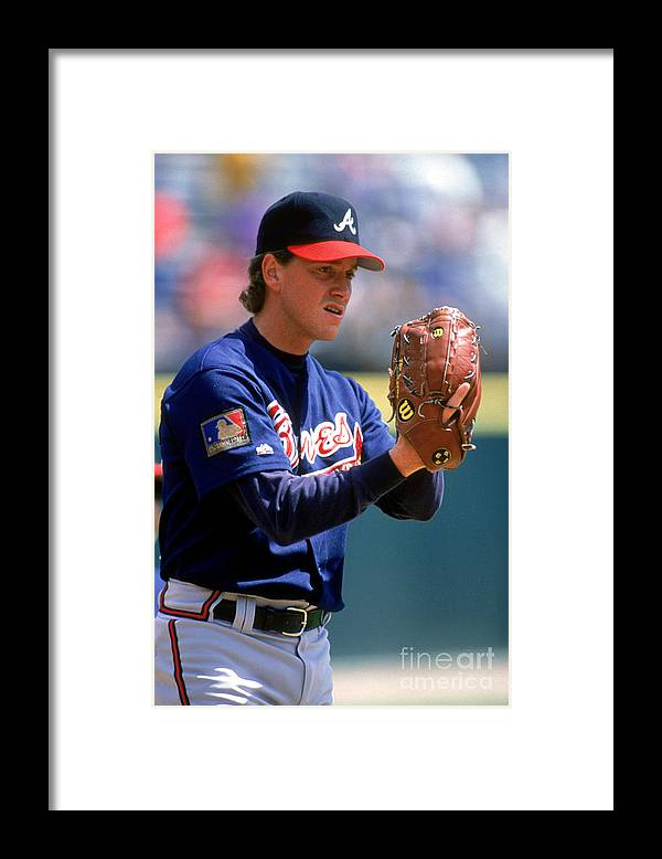 Baseball Pitcher Framed Print featuring the photograph Tom Glavine by Don Smith