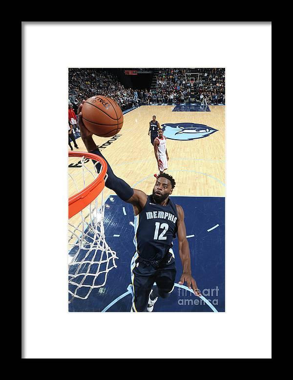 Nba Pro Basketball Framed Print featuring the photograph Tyreke Evans by Joe Murphy