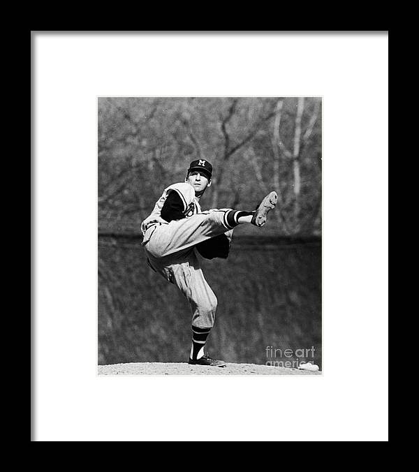 Sweater Framed Print featuring the photograph Warren White by Robert Riger
