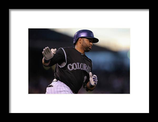 People Framed Print featuring the photograph Wilin Rosario and Mike Minor by Doug Pensinger