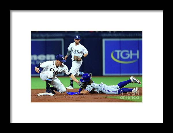People Framed Print featuring the photograph Willy Adames by Mike Ehrmann
