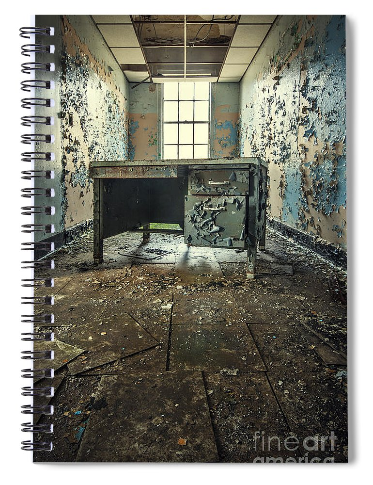 Kings Park Spiral Notebook featuring the photograph Another Day At The Office by Evelina Kremsdorf
