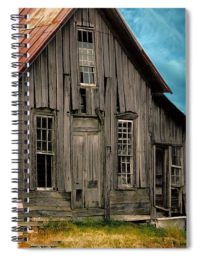 Shack Spiral Notebook featuring the photograph Shack Of Elora Tn by Lesa Fine
