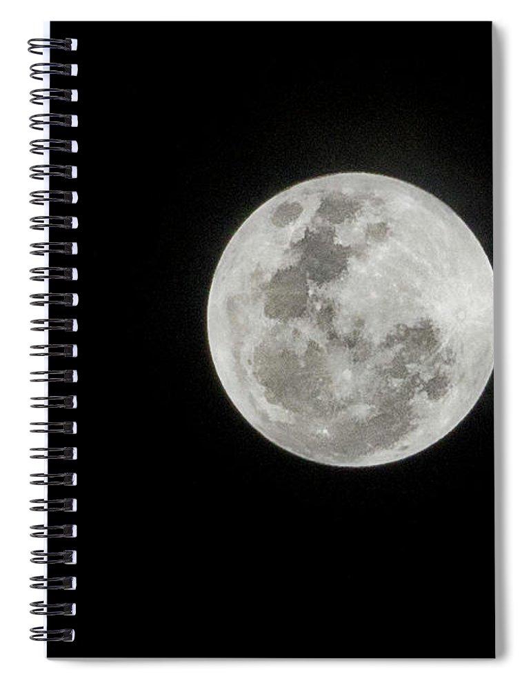 Tranquility Spiral Notebook featuring the photograph Super Lua by Texto De Credito Das Fotos