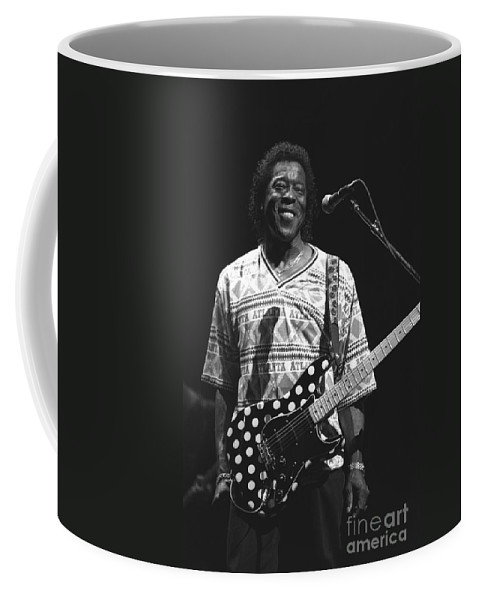 Five Time Grammy Award Winning Blues Coffee Mug featuring the photograph Buddy Guy by Concert Photos